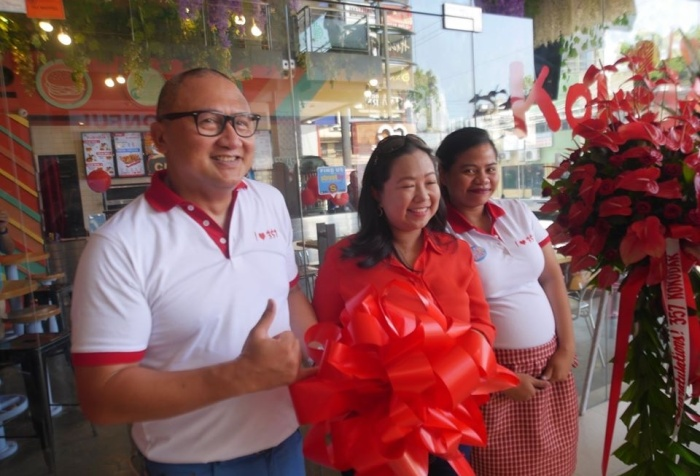 Ribbon cutting ceremonies at 357 Kokodak CDO grand opening